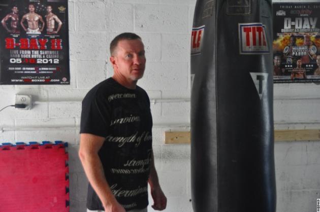 Микки Уорд поможет Хоану Гузману в подготовке к бою с Хабибом Аллахвердиевым