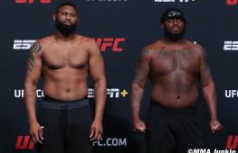 Фото: Взвешивание участников UFC Fight Night 185