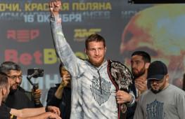 Тренер Исмаилова: Минеев вытащил бой за счёт выносливости и характера