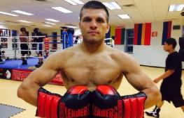 Сергей Деревянченко проведет отборочный поединок с экс-чемпионом в среднем весе Сэмом Солиманом