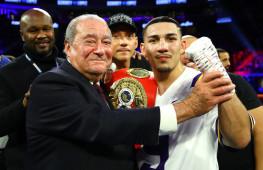 Боб Арум: Теофимо Лопес новая звезда бокса после Мейвезера