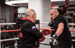 Открытая тренировка участников вечера бокса 27 ноября в Москве