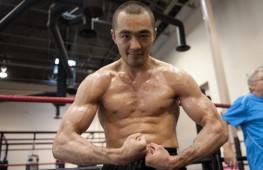 Тренер Влодарчика: Шуменов — думающий и мобильный боксер