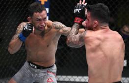 Бой Эдгара и Муньоса получил бонус UFC за бой вечера