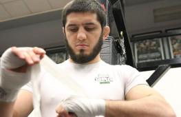 Бой Ислама Махачева в силе, сообщил его менеджер