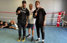 Энтони Джошуа встретился с тремя американскими тренерами