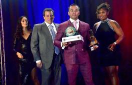 Кадр дня: Хуан Мануэль Маркес включен в зал боксерской славы Невады