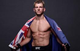 Хукер о бое с Чендлером: Я сломаю новую игрушку UFC за пять минут