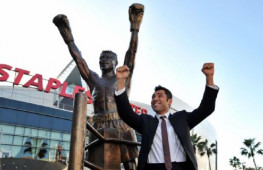Оскар Де Ла Хойя подтвердил серьезность планов по возвращению на ринг