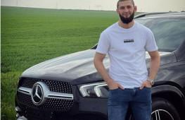 Хамзат Чимаев разбил подаренный Кадыровым «Мерседес»