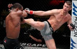 Стивен Томпсон с травмой победил Джеффа Нила, вызвал на бой Масвидаля