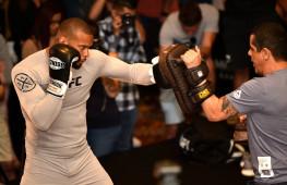 Видео открытой тренировки бойцов UFC 239