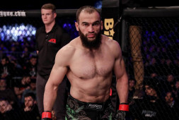 Альберт Дураев победил в претендентской серии Даны Уайта