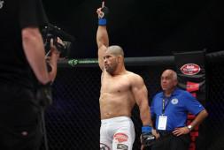Русимар Пальярес одержал победу в дебютном бою в России