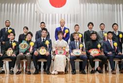 Наоя Иноуэ стал «Боксером года» в Японии
