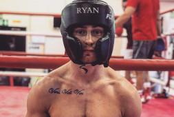 Райан Барнетт готовится к бою с Жанатом Жакияновым (видео)