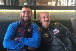 Виталий Сланов: У Мурата Гассиева есть все для победы, он будет лучше, чем в бою с Дортикосом