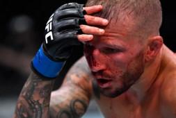 Медицинские отстранения участников турнира UFC on ESPN 27: Диллашоу отстранен до 2022 года