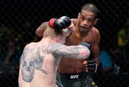 Медицинские отстранения участников турнира UFC Vegas 28