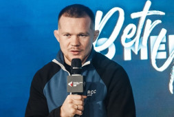 Стерлинг симулировал, — Петр Ян дал пресс-конференцию после боя со Аджамейном (видео)