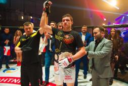 Роман Копылов нокаутировал Ясубея Эномото в четвертом раунде