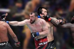 Лучшие момент UFC Vegas 28: Салихов-Триналдо, Розенструйк-Сакаи | Шок-контент с судьей (видео)