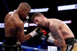 Джек досрочно победил Клеверли и завоевал пояс WBA Regular