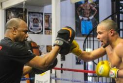 Крис Юбанк хочет встретиться с победителем боя Чарло-Деревянченко