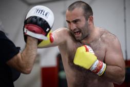 В Федерации бокса предположили, когда может состояться реванш Гассиева и Усика