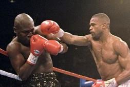 Видео: Легендарные бои — Рой Джонс vs. Джеймс Тони (1994)