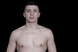 Исраил Мадримов дебютирует в профессионалах титульным боем