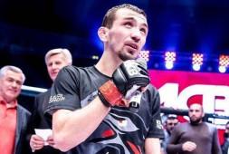Аскар Аскаров дал комментарий после победы над Джозефом Бенавидесом