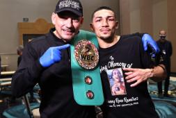 Теофимо Лопес стал Боксером года по версии BWAA