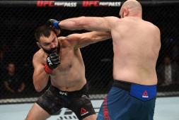 Андрей Орловский установил три новых рекорда в UFC