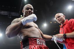 Top Rank и Matchroom Boxing сделали предложения Оскару Ривасу