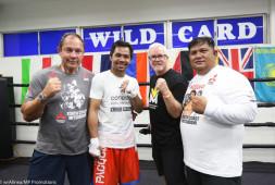 Тренеры Пакьяо обвиняют друг друга в поражении боксера