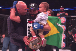 Патрисио Фрейре вновь забрал чемпионский пояс Bellator