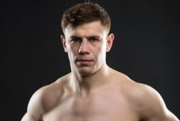Максим Гришин подписал контракт с UFC и встретится с Марчином Тыбурой