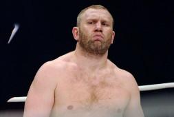 Сергей Харитонов одержал победу в боях на голых кулаках