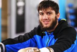 Умар Саламов проведет отборочный бой против Линдона Артура