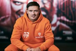 Усик заявил, что он будет принимать окончательное решение по бою с Джойсом
