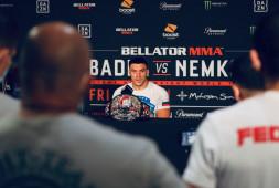 Вадим Немков назвал имена трех бойцов на вопрос о первой защите титула Bellator