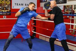 Максим Власов готовится к бою за титул в Лас-Вегасе