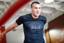 Титульный бой Максима Власова и Джо Смита планируется на апрель-май
