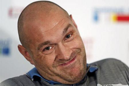 Боксер Тайсон Фьюри объявил овозвращении наринг 13мая