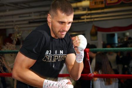 Гвоздик завоевал титул временного чемпиона мира WBC