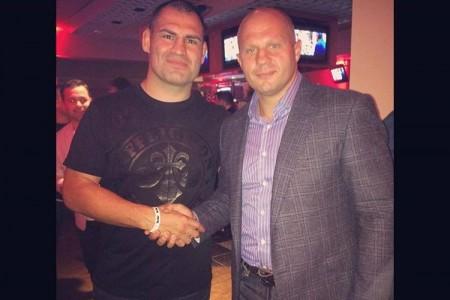 Кадр Дня: Федор Емельяненко и Кейн Веласкес на турнире Bellator