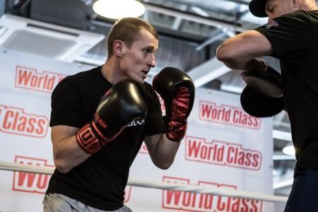 Брянский боксер Трояновский отстоял чемпионство за2 раунда